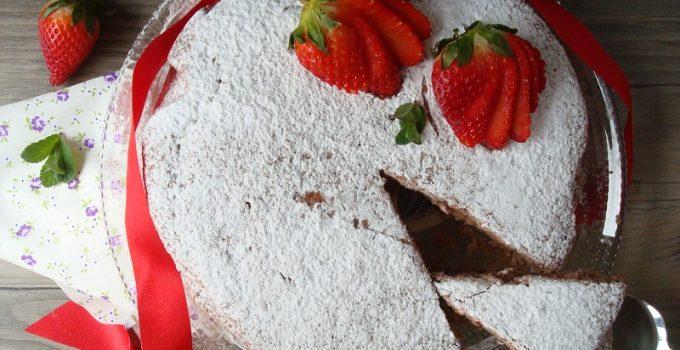 TORTA CON FRAGOLE FRULLATE: RICETTA VEGAN
