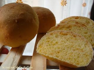 https://www.lacucinadellapallina.it/2013/11/panini-alla-zucca.html