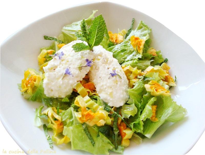 insalata, fiori di zucca, fiocchi latte, issopo, menta
