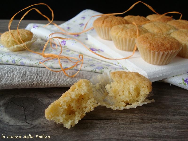 Piccoli muffin con farina di cocco