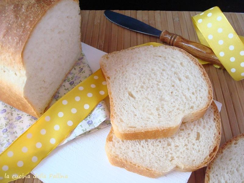 Pane in cassetta con ldb morbido e profumato